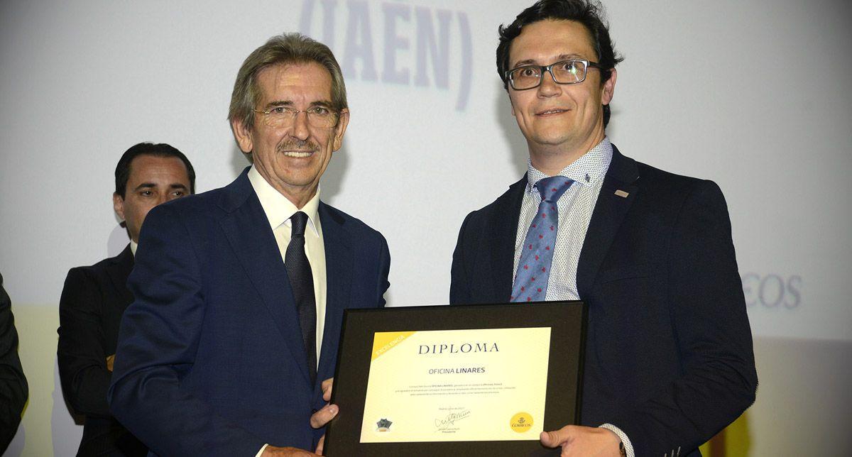 La oficina de linares galardonada en la entrega de premios for Oficina correos melilla