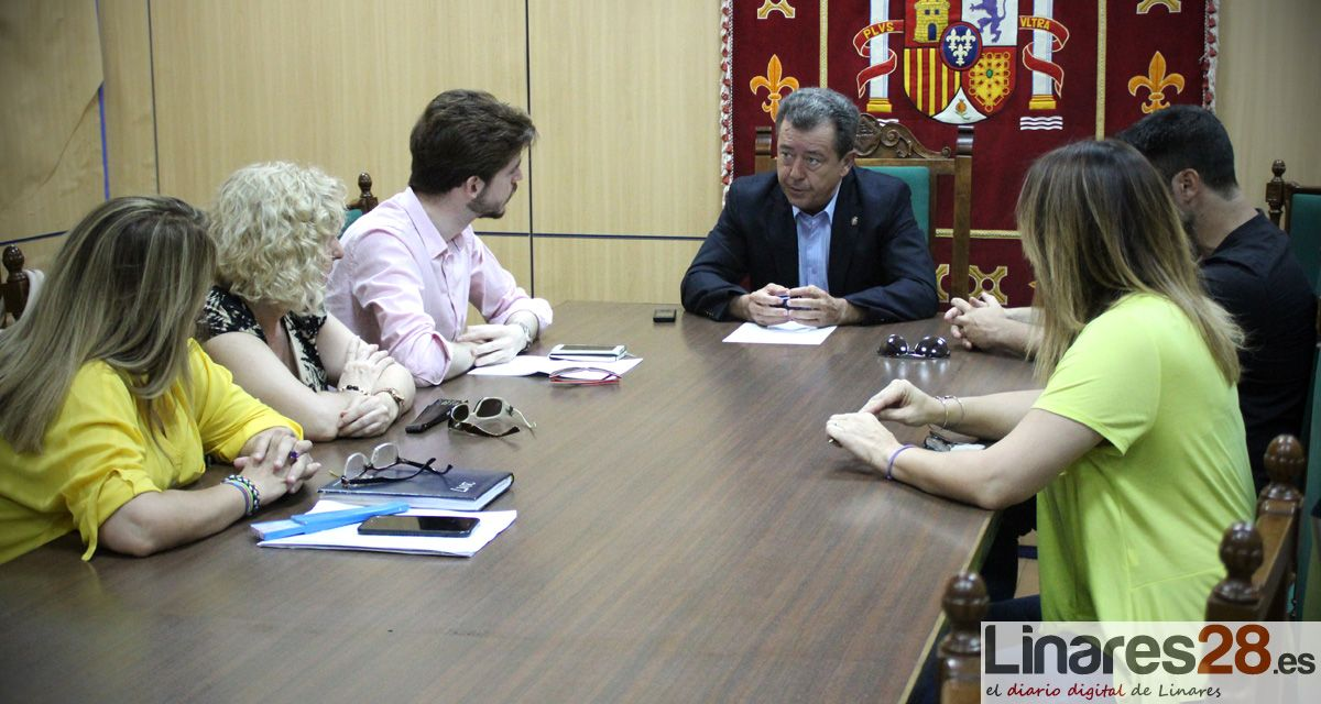 El Ayuntamiento plantea posibles movilizaciones ante la situación de desempleo de Linares