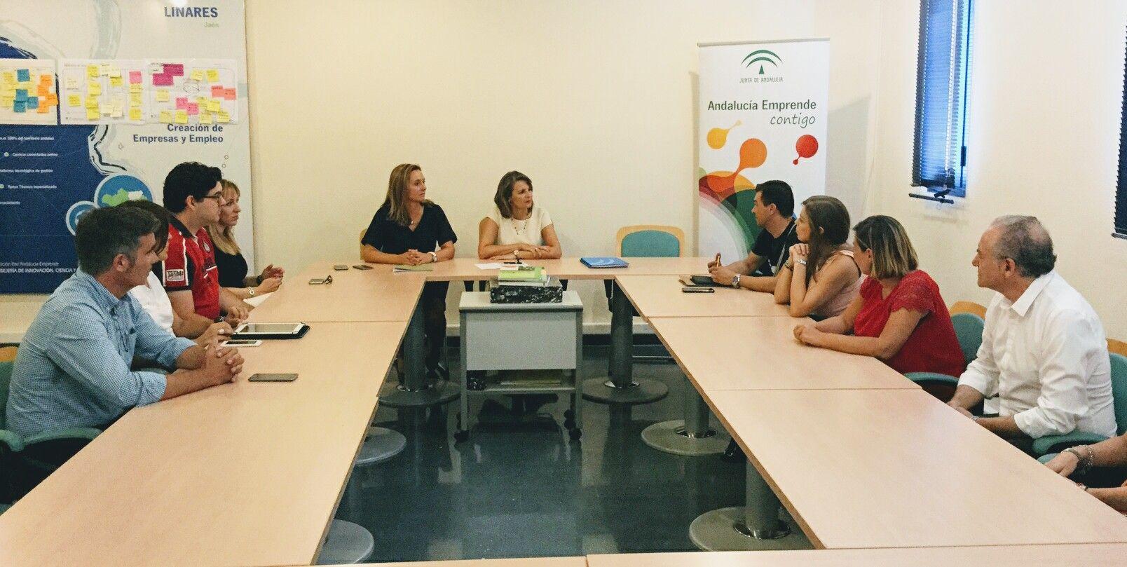 Cinco empresas se instalan en el CADE de Linares