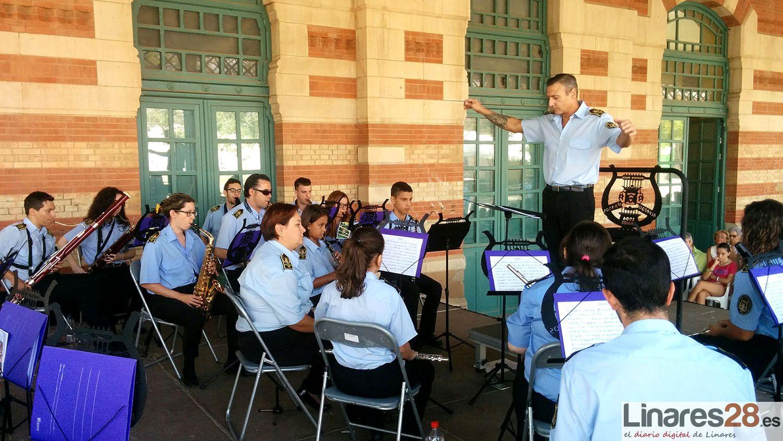 La A.M. Maestro Alfredo Martos también llena el andén de la Estación de Madrid