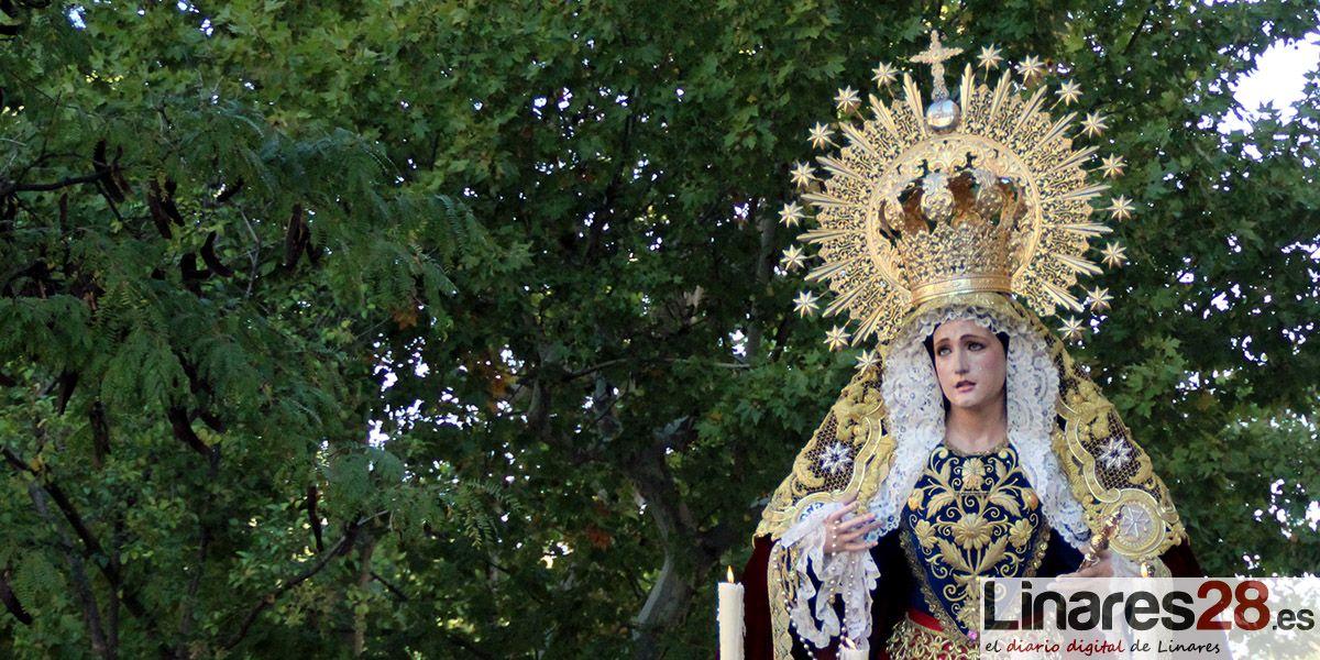 """El """"Rosario de la Aurora"""" luce en la mañana del domingo"""