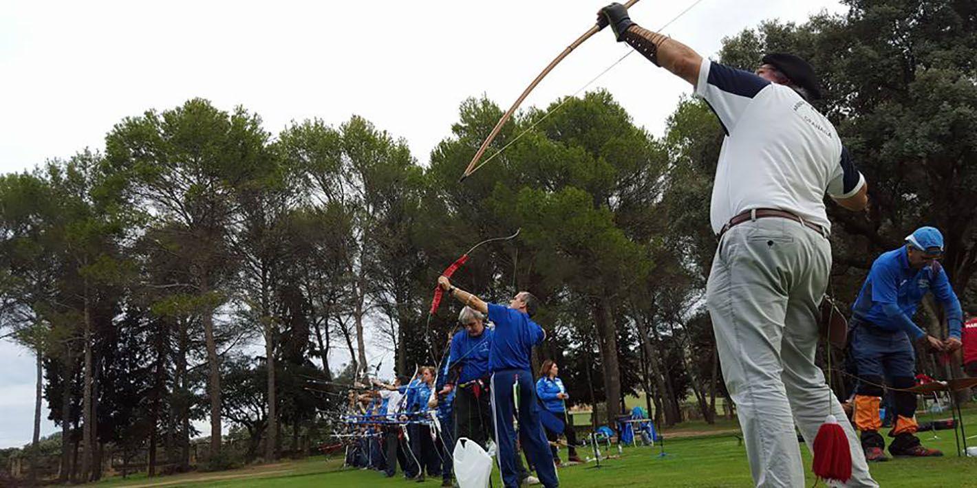 35 arqueros participan en el Parque Deportivo La Garza  en el X Campeonato de Andalucía de Tiro Clout