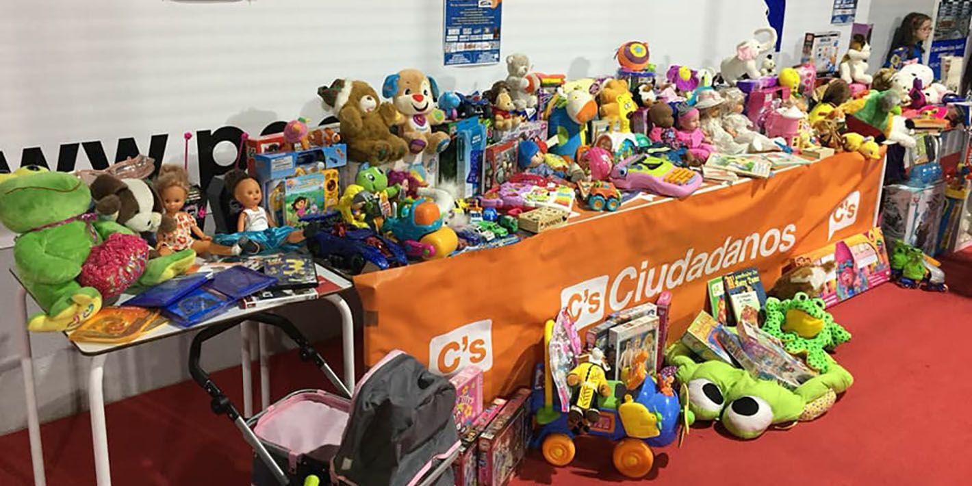 Ciudadanos destaca la gran solidaridad de los linarenses en la recogida de juguetes para los niños de las familias más desfavorecidas