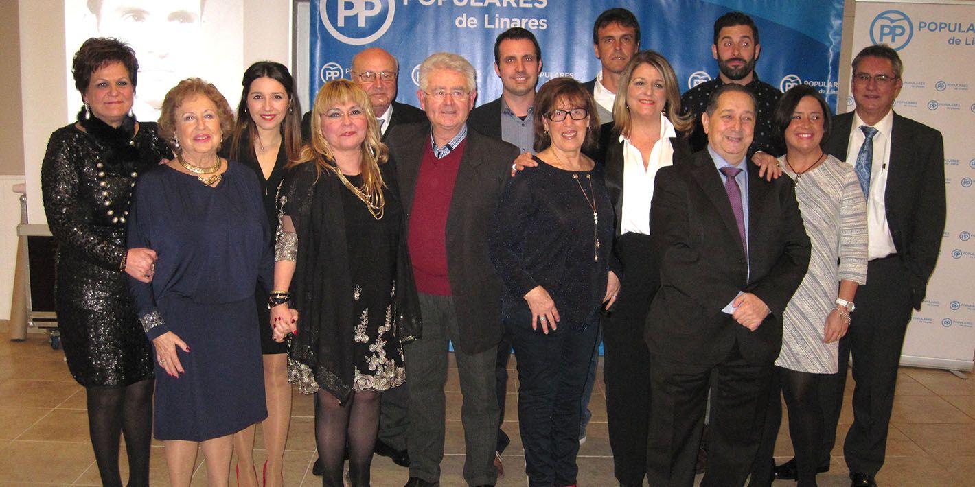 El PP entrega los premios a 'Los + Populares de Linares 2017' en el tradicional encuentro de Navidad con los militantes