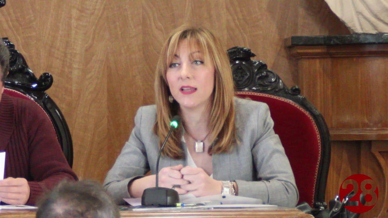 Linares vive su Pleno Institucional en conmemoración del 8M