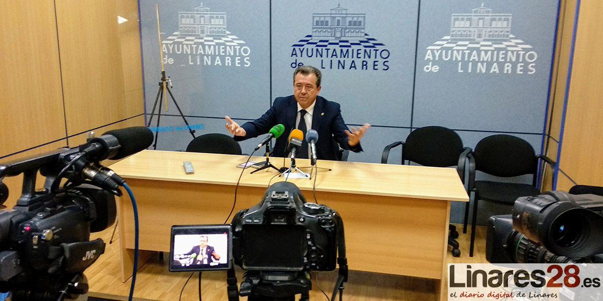 Juan Fernández vincula el expediente a su 'indisciplina'