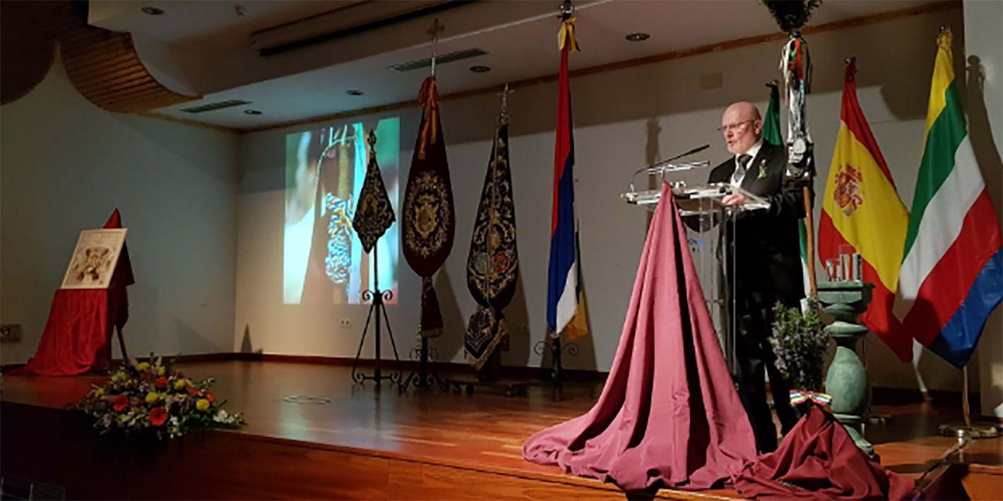 Agustín Algar emociona al público con su brillante Pregón de Glorias