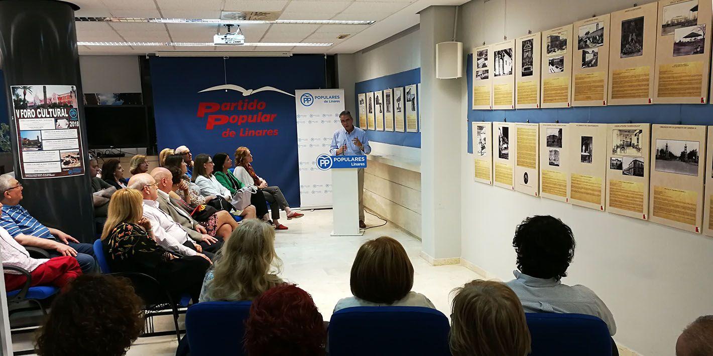 El PP inaugura con gran éxito una exposición sobre el patrimonio del Linares desaparecido
