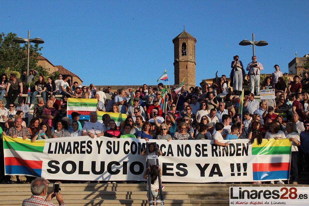 Caravana de vehículos por el futuro de Linares