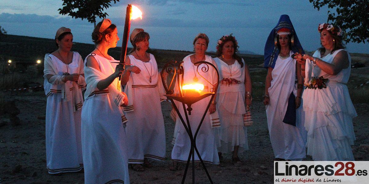 VÍDEO | Fuego Sagrado para abrir las Fiestas Íbero Romanas de Cástulo