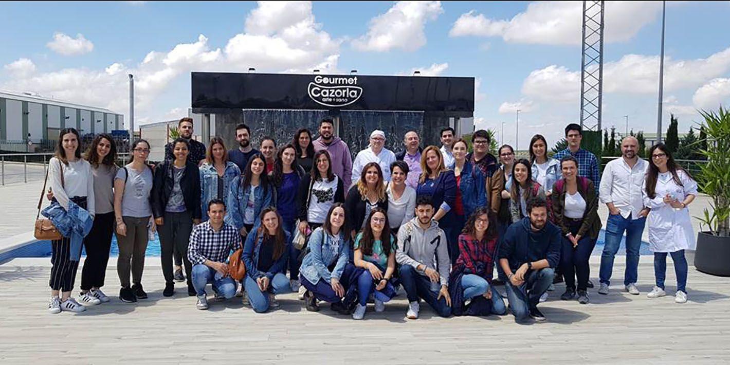 Alumnado de la UJA visita la empresa Gourmet Sierra de Cazorla en Linares