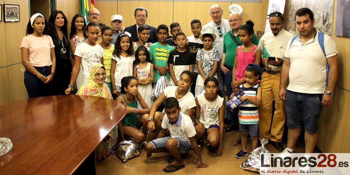 Linares recibe a los niños y niñas saharauis de acogida