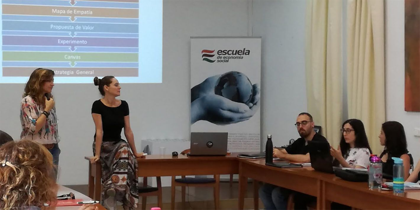 23 emprendedores de Linares amplían su formación en Sevilla