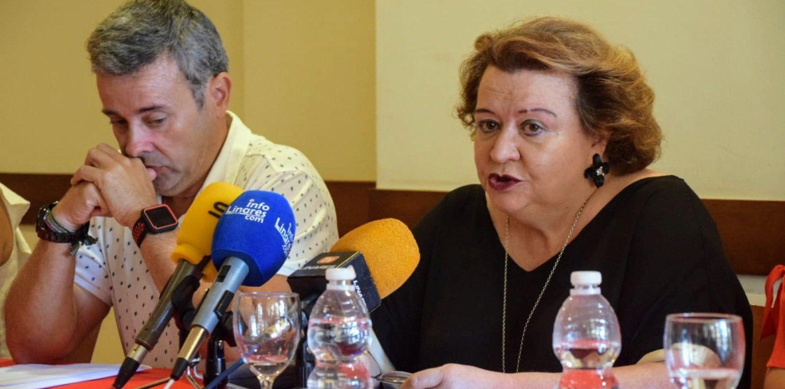VÍDEO | Los concejales socialistas de Linares renuncian a sus delegaciones de áreas
