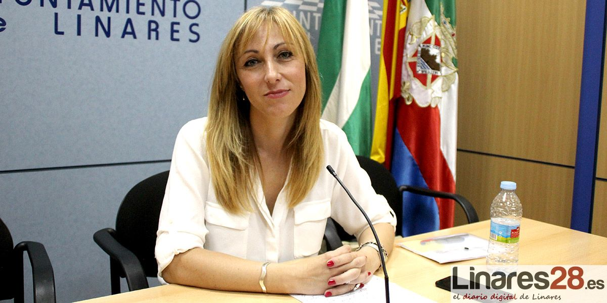 VÍDEO | Carmen Domínguez renuncia a su acta de concejala en el Ayuntamiento de Linares