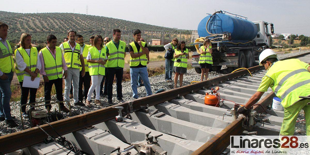 El ramal ferroviario entre Linares y Vadollano estará finalizado en diciembre a falta de sus conexiones