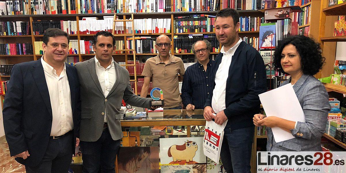 Representantes de la Junta de Andalucía visitan el Centro Comercial Abierto de Linares de la mano de ACIL