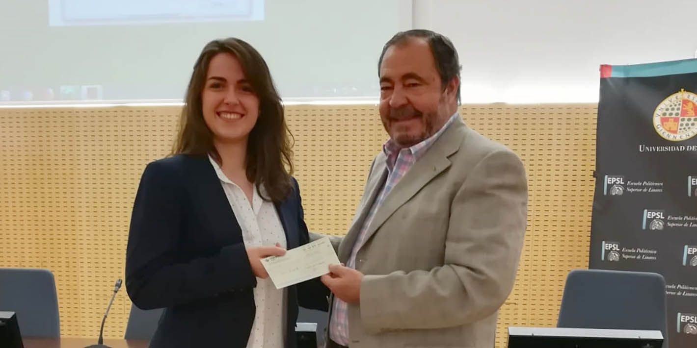 Una estudiante del doble grado de Ingeniería Civil y Minas de la EPSL recibe el premio al mejor expediente del COITGME
