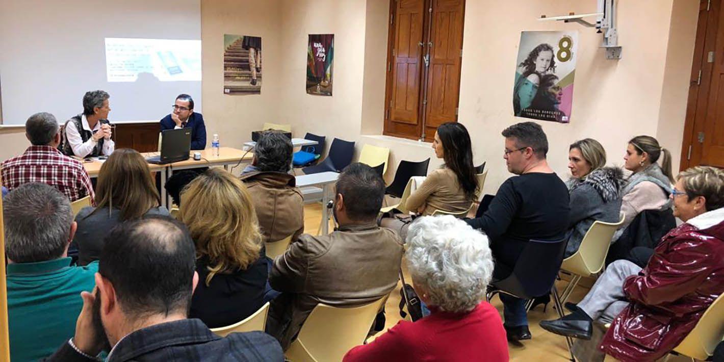 Ciudadanos Linares muestra la importancia de las nuevas tecnologías para prevenir la violencia hacia las mujeres