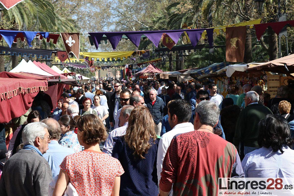Gran ambiente en el Mercado Medieval de Linares