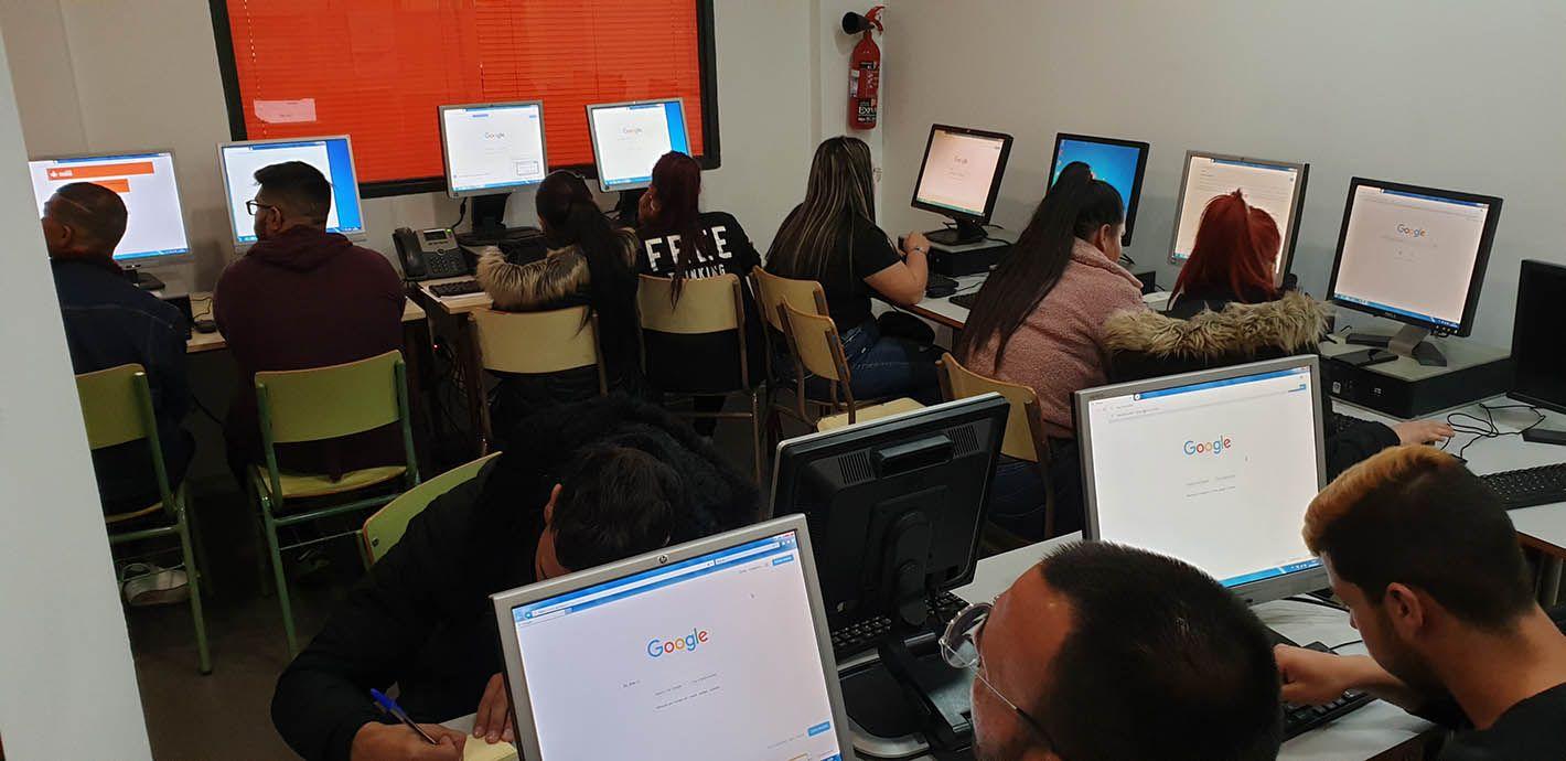 La Fundación Secretariado Gitano clausura en Linares la iniciativa 'Formatéate con Garantía'
