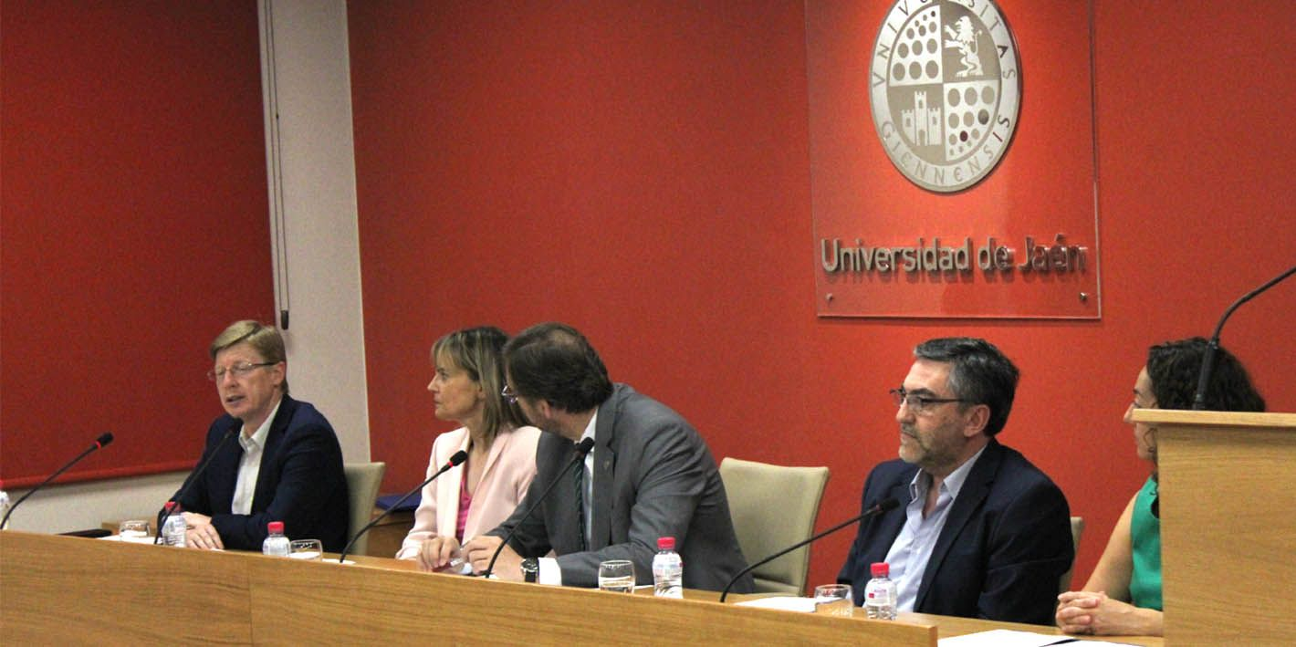 Linarenses premiados en la fase provincial de las olimpiadas de Matemáticas, Física, Química, Economía y Ecología