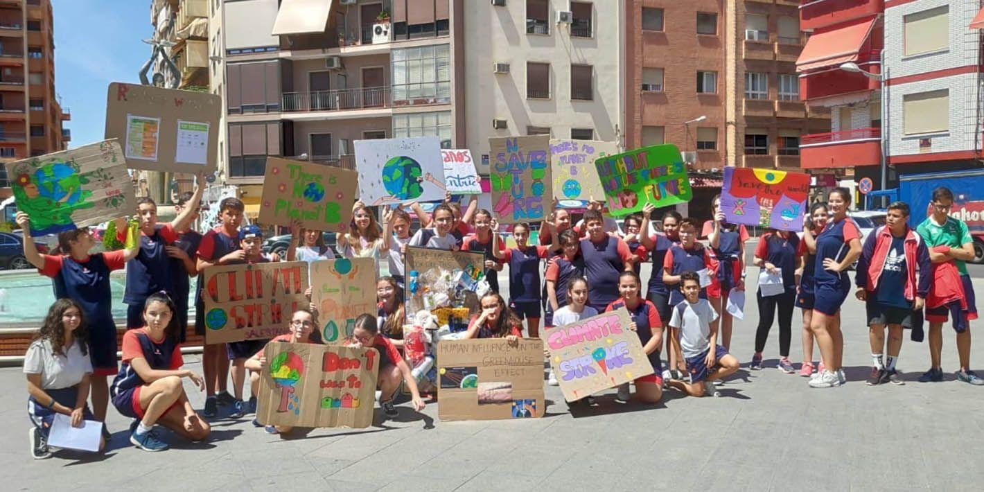 El movimiento 'School Strike for Climate' llega a Linares