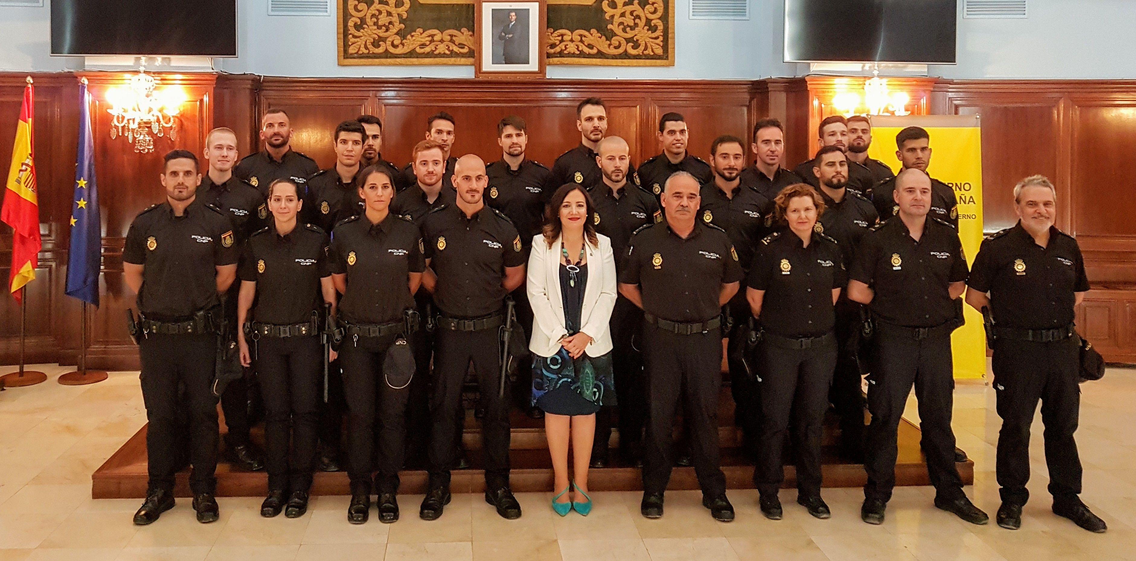 La comisaría de Linares incorpora a 5 agentes en prácticas