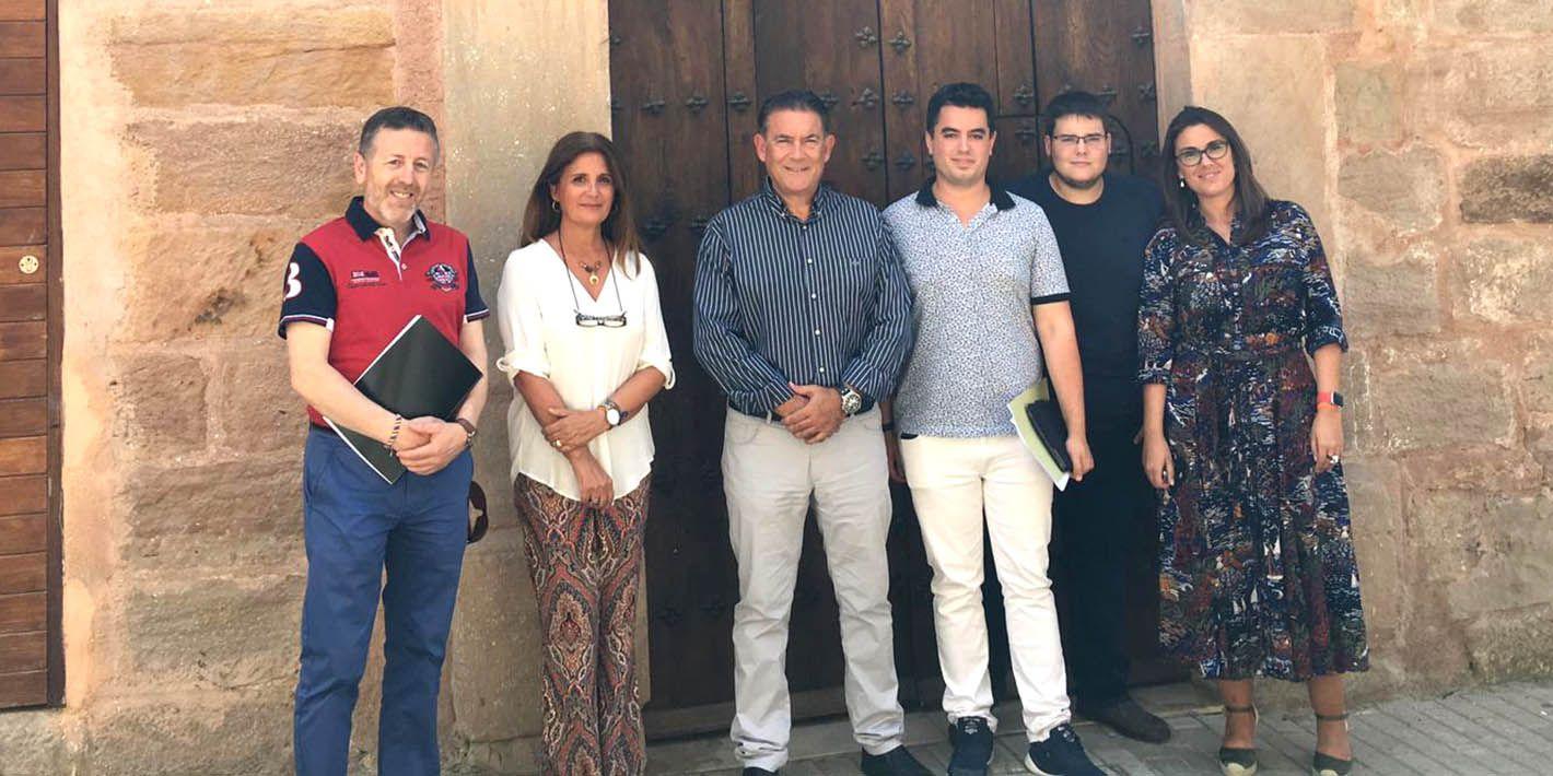 Reunión del IAJ y el Ayuntamiento de Linares para impulsar la apertura de la Casa de Juventud