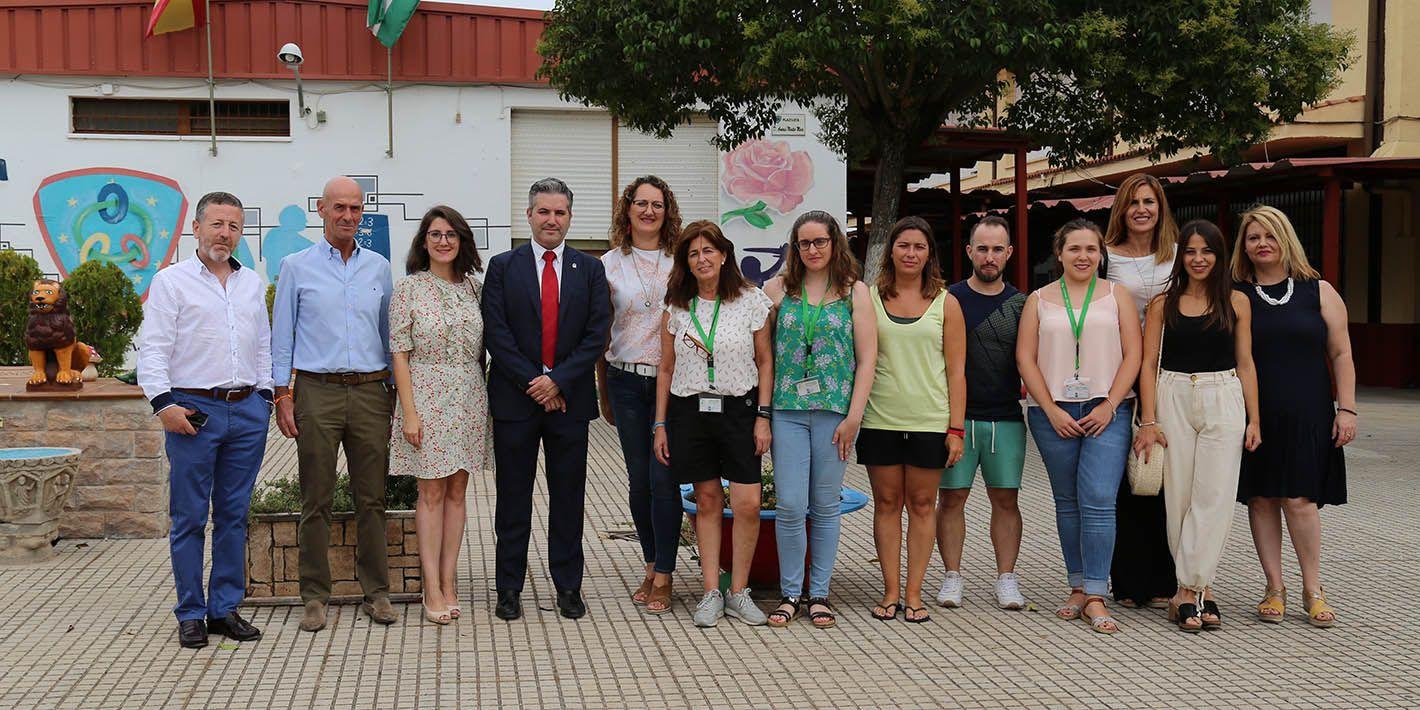 El delegado territorial de Educación, Deportes, Igualdad, Políticas Sociales y Conciliación visita Linares