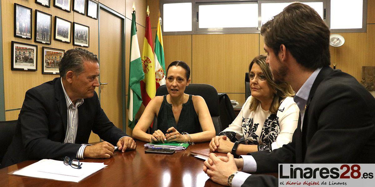 VÍDEO | Optimismo ante el primer contacto institucional entre el nuevo Ayuntamiento de Linares y la Junta de Andalucía