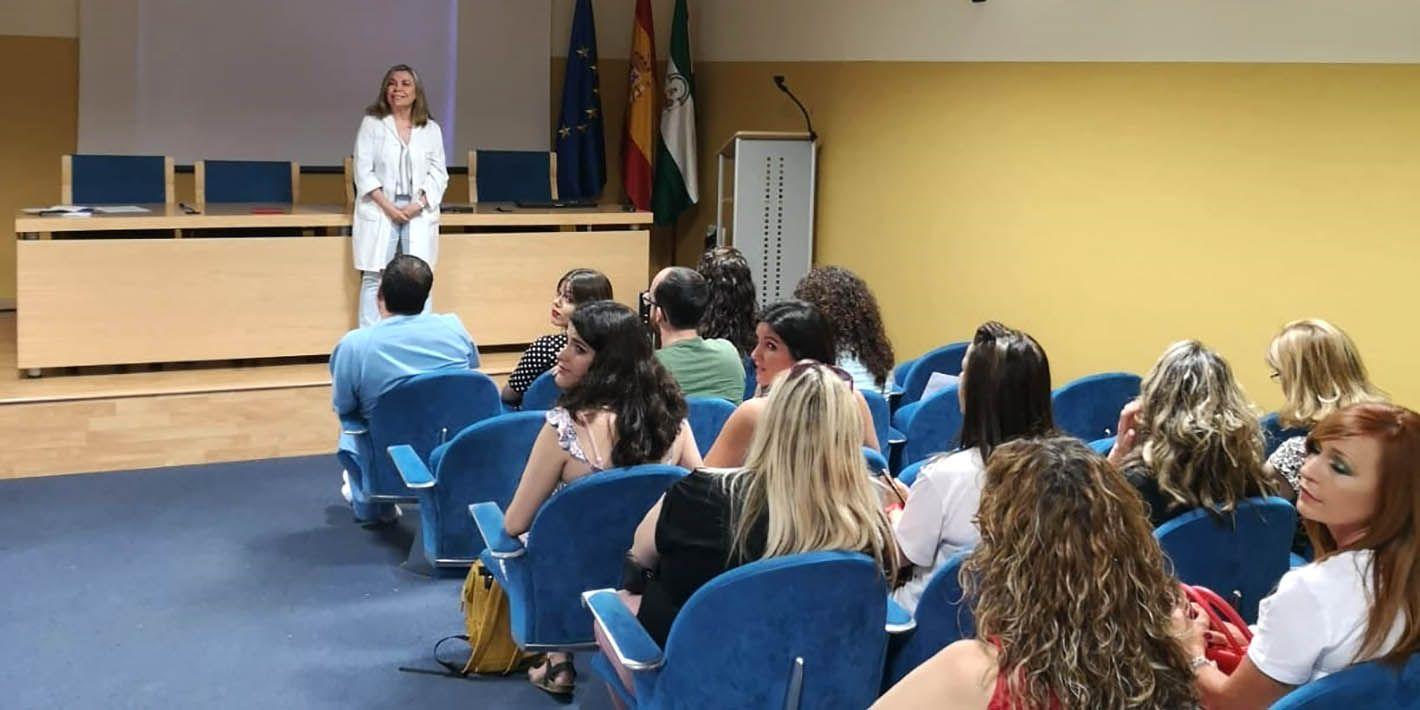 El Hospital de Linares recibe a enfermeros que se incorporan durante el verano