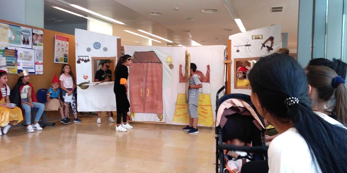 El centro de salud 'Arrayanes' abre sus puertas al teatro infantil