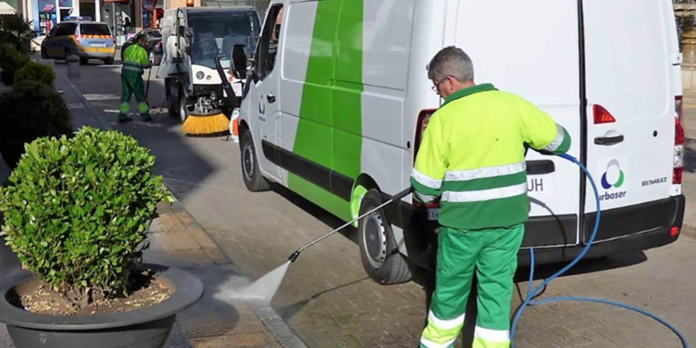 Linares intensifica la limpieza de sus calles