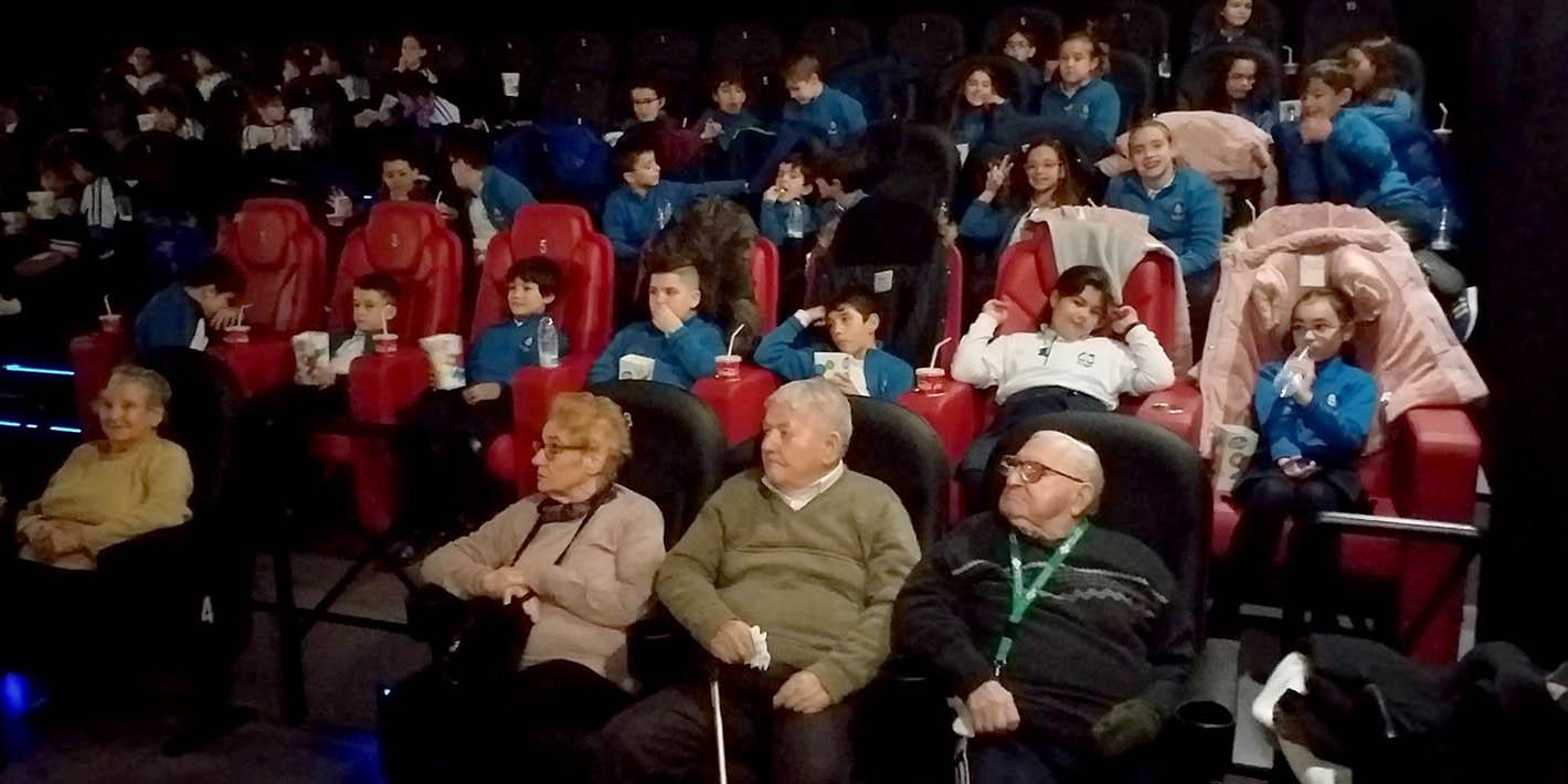 """Momentos """"de cine"""" entre pequeños y mayores"""