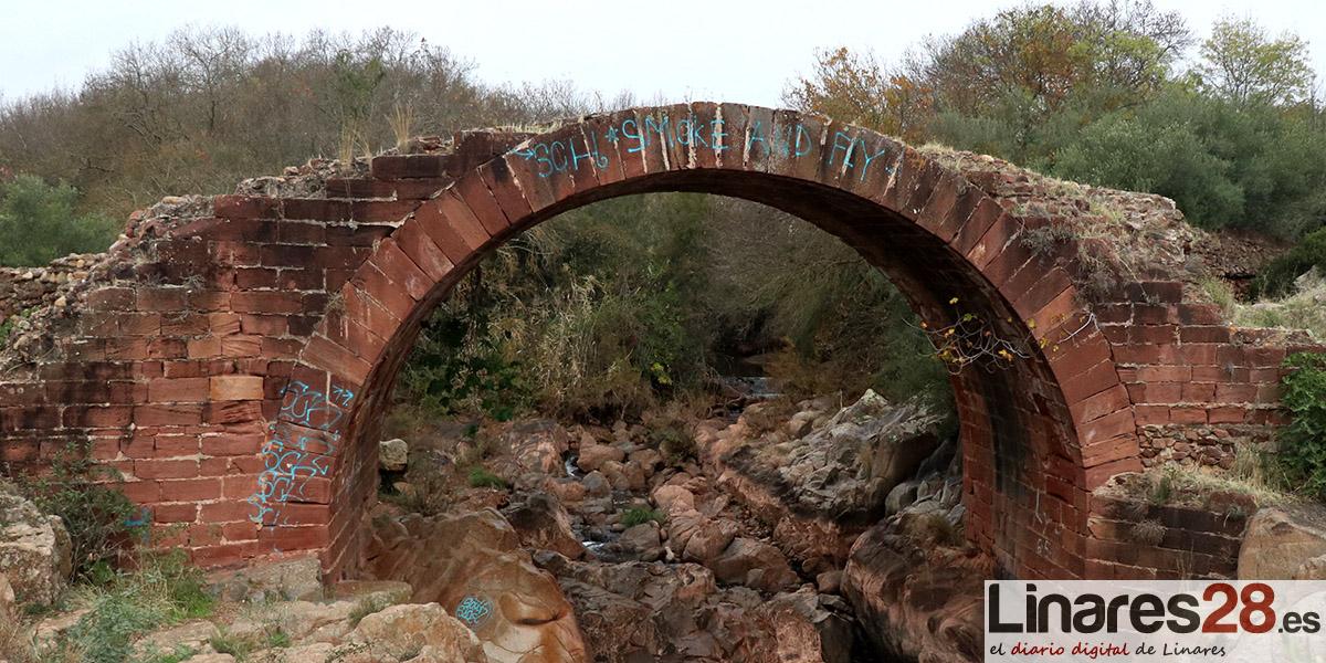 VÍDEO | Atentan contra al puente romano de Vadollano
