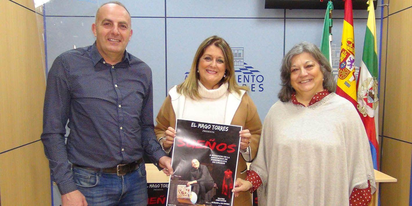 VÍDEO | Magia solidaria para apoyar la labor de la Asociación de Fibromialgia 'Cavias'