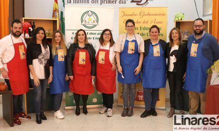 VÍDEO | El Centro Educativo 'Ciudad de Linares' celebró un dulce San Valentín