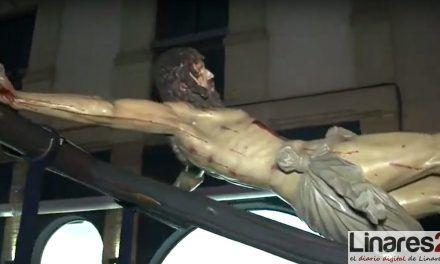 VÍDEO | 'Los Estudiantes' trasladan al Cristo de la Buena Muerte