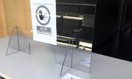 Justicia instala mamparas en dos salas de vistas de Linares para garantizar la seguridad