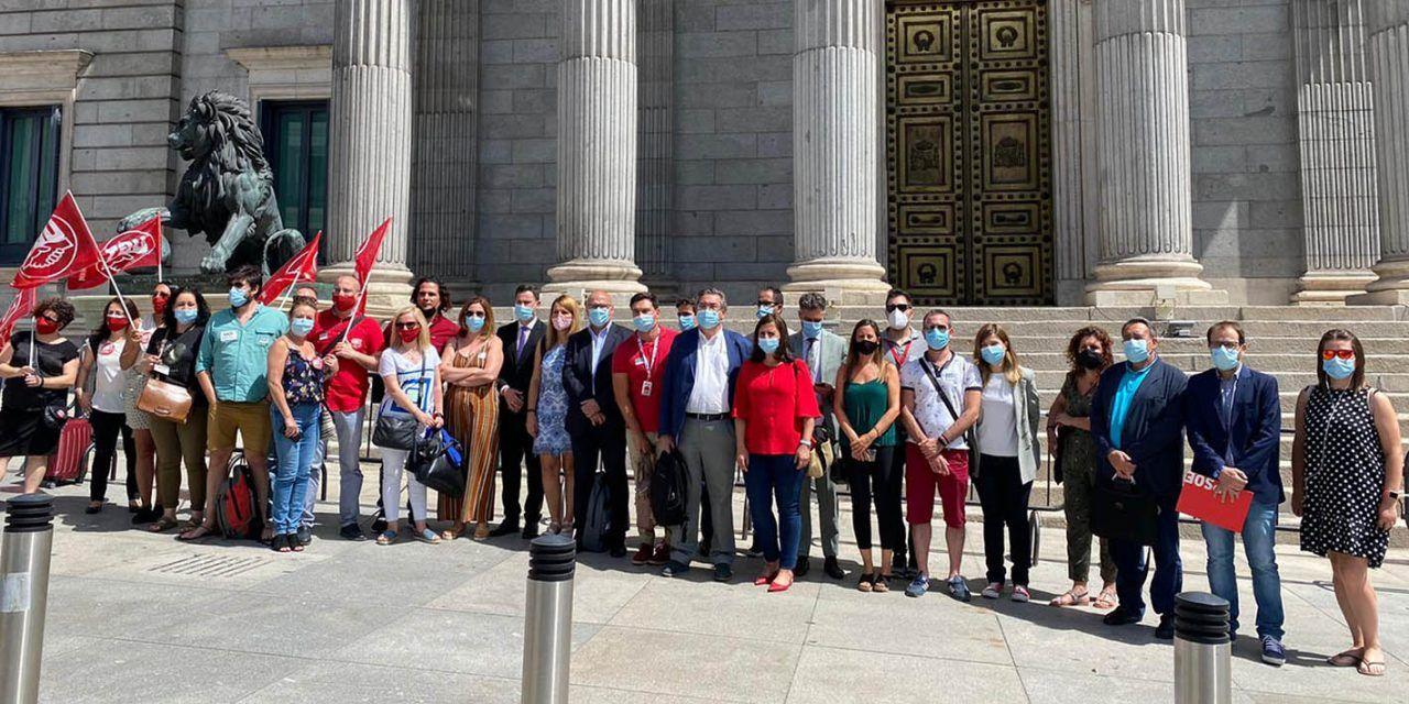EL GRUPO PARLAMENTARIO SOCIALISTA SE REÚNE CON LOS COMITÉS DE EMPRESA DE COMDATA Y LES TRASLADA SU APOYO