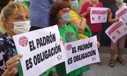 VÍDEO | Piden que el Ayuntamiento empadrone a una familia que ocupa de forma irregular una vivienda pública en Linares