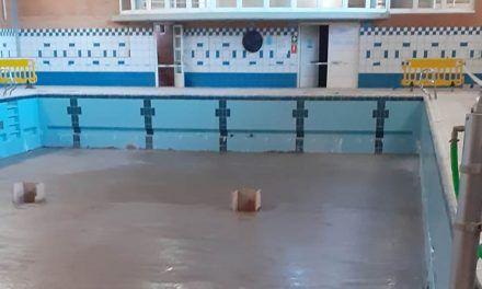 Linaqua ejecuta obras de mejora en la piscina municipal cubierta