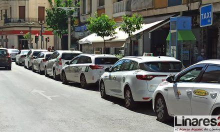 La Subdelegación del Gobierno impulsa una campaña de sensibilización en materia de violencia de género junto al sector del taxi