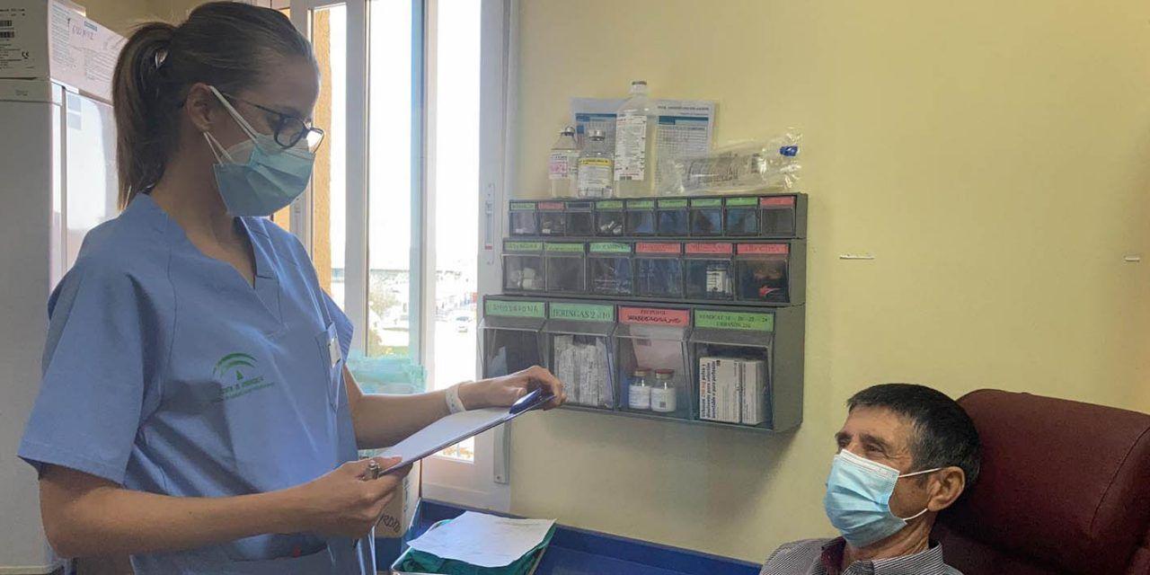El Hospital del Linares establece un traje para proteger a pacientes inmunodeprimidos frente al Covid-19