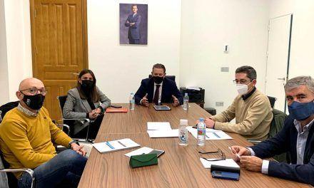 Raúl Caro se reúne con representantes de algunas plataformas ciudadanas linarenses