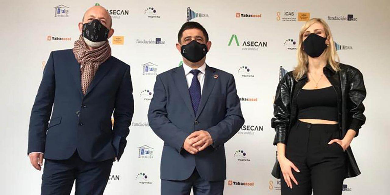 Natalia de Molina recoge su galardón en los 'Premios Asecan'
