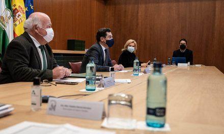 Andalucía limita la movilidad entre provincias, cierra los municipios con más contagios y reduce las reuniones a un máximo de cuatro personas