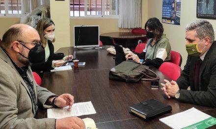 El delegado de Educación afronta el proceso de escolarización con los directores de Jaén