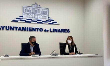 VÍDEO | Raul Caro recibe a la delegada territorial de la Consejería de Igualdad, Políticas Sociales y Conciliación, Encarnación Gutiérrez.